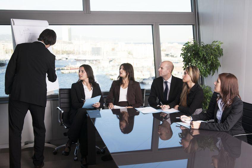 Reunión en una oficina.