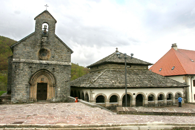 Ruta en moto por Rancesvalles (Turismo de Navarra)